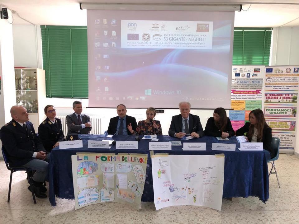 """Seminario '@scuolasenzabulli"""" Corecom Campania lunedì 15 Aprile 2019 Aula Magna Plesso Gigante"""
